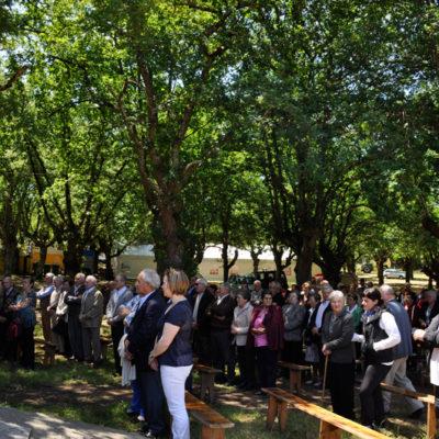O Alcalde e a corporación municipal asistiron á Eucaristía xunto ós maiores do municipio